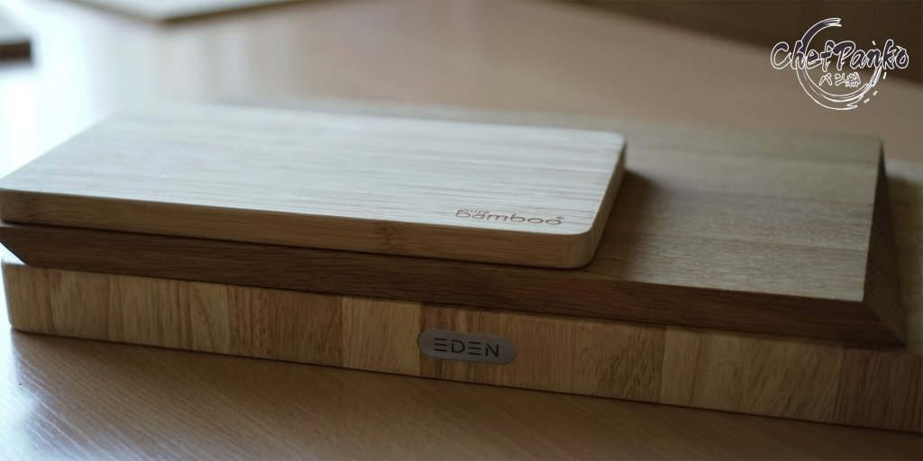 Bamboo (Bamboo is comparable with a plastic cutting board) - Wood - End Grain ''Rubber Wood'' Cutting Board
