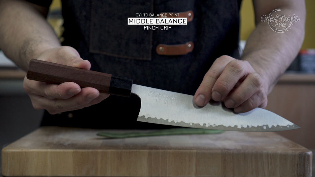Gyuto: Middle Balance at the point where I grip neither front or back heavy